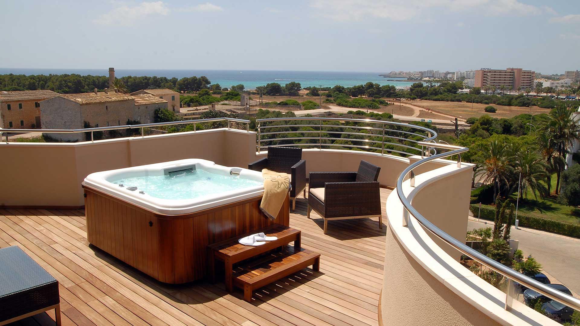 Habitacion Suite Duplex Protur Biomar Gran Hotel Spa - Jacuzzi-exterior-terraza